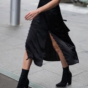 Black midi skirt With side buttons